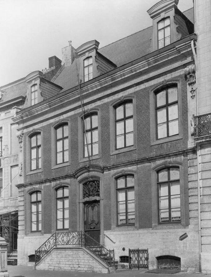 Grote Markt: voormalig Hotel de Bourgogne